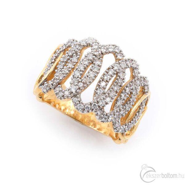 Ovális mintás sokköves női 14 karátos arany gyűrű (59-es méret)