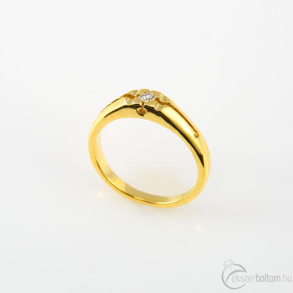 Sárga arany szoliter gyémánt gyűrű süllyesztett négykarmos foglalattal