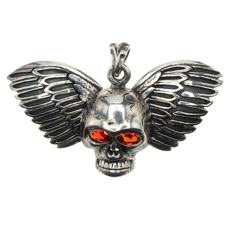 Antikolt ezüst szárnyas koponya medál rubint színű cirkónia szemmel